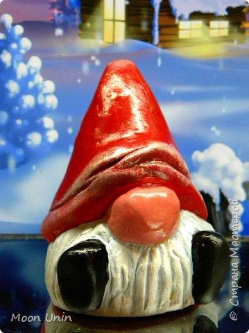 Сегодня у меня Деды Морозы и скандинавские гномики.  Такой гномик - традиционный скандинавский вариант «новогоднего дедушки». В Швеции его зовут Юль Томтен, и внешне он похож на младшего брата Деда Мороза. фото 8
