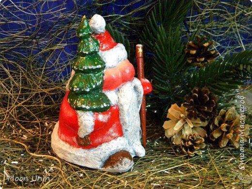 Сегодня у меня Деды Морозы и скандинавские гномики.  Такой гномик - традиционный скандинавский вариант «новогоднего дедушки». В Швеции его зовут Юль Томтен, и внешне он похож на младшего брата Деда Мороза. фото 15