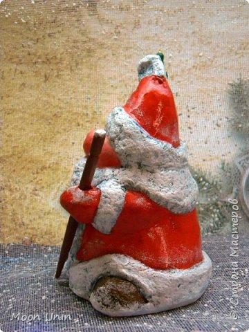 Сегодня у меня Деды Морозы и скандинавские гномики.  Такой гномик - традиционный скандинавский вариант «новогоднего дедушки». В Швеции его зовут Юль Томтен, и внешне он похож на младшего брата Деда Мороза. фото 16