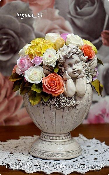 Здравствуйте! Представляю Вам свою новую работу. Цветы выполнены из зефирного фома, листья из иранского фоамирана. В составе букета розы, пионовидные розы и гортензии. Приглашаю к просмотру.