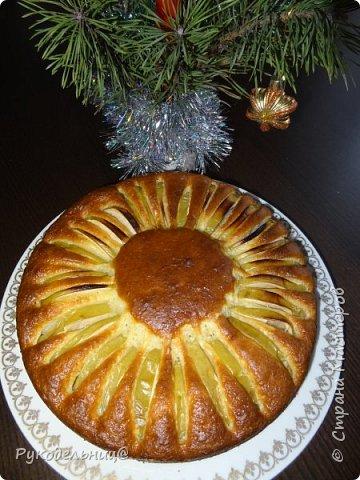 Всем добрый день. Всех с большим и светлым праздником Крещения. К празднику испекла сейчас пирог, делюсь с вами рецептом. Решила сегодня на праздник испечь ватрушку, т.к. в холодильнике всё было, но попался вот этот рецепт и решила его опробовать. Всё как всегда быстро, просто и вкусно. И так приступим. фото 1