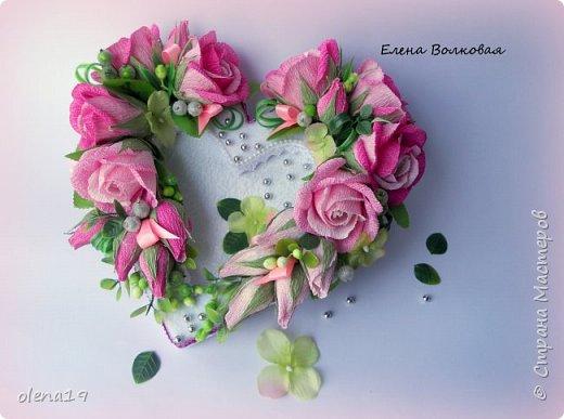 Сегодня одна всего работа. Сердце с конфетами на Валентинов день. я подарю тебе однажды сердце, прошу ты только бережно храни, открою в нем ту потайную дверцу, смотри его на пол не урони... http://stihi.ru/2012/09/08/4550 фото 1