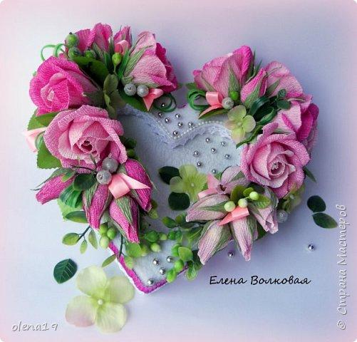 Сегодня одна всего работа. Сердце с конфетами на Валентинов день. я подарю тебе однажды сердце, прошу ты только бережно храни, открою в нем ту потайную дверцу, смотри его на пол не урони... http://stihi.ru/2012/09/08/4550 фото 2