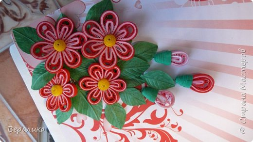 Сегодня хочу показать вам небольшую цветочную композицию, которую создала просто так, в период передышки между праздниками...Цветочки делала по МК Натальи К :http://stranamasterov.ru/node/437388?c=favorite  фото 4