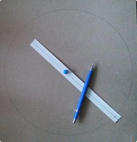 Здравствуйте мои дорогие соседи! Сегодня я расскажу, как вырезать ровно круг из переплетного картона.  фото 10