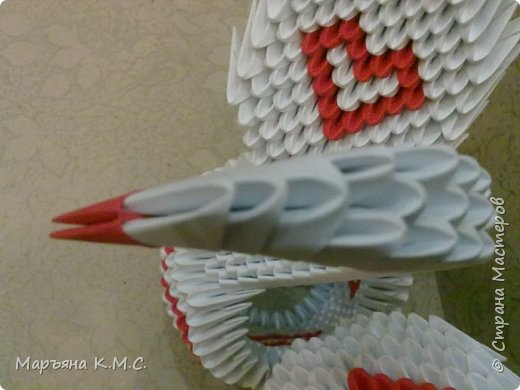 Создала вот такого сердечного лебедя.  Скоро День влюблённых. Может, кому-то пригодится. Авторская работа. фото 49