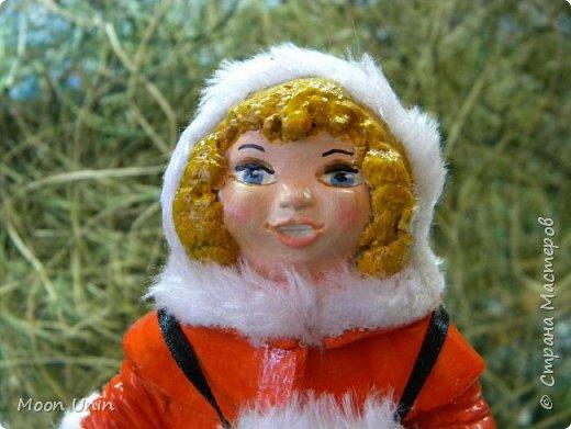 Всем привет! Продолжаю новогодне-зимнюю тему. Сегодня хочу показать вам девочку на коньках, немного винтажную;) фото 13
