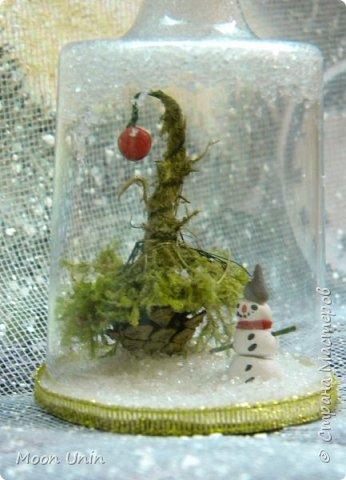 Всем привет! Ну, что друзья, не унываем, руки не опускаем, продолжаем работать с прежним энтузиазмом!)) Сегодня я вам покажу одну из моих новогодних свечей. Сделана она из пластиковой рюмочки, кустика мха,  кусочка полимерной глины и сахара. Да-да, сахара, не удивляйтесь)) фото 7