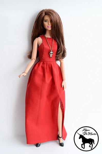 Приветствую всех жителей Страны Мастеров! Сегодня я представлю несколько нарядов для кукол. Во-первых, свадебное платье, туфли, букет и головной убор для куклы МХ. фото 5