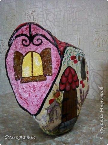 Привет всем жителям нашей любимой Страны Мастеров! Хочу показать вам мои каменные домики, которые я разрисовала для украшения своей дачи))) Рисовать совсем не умею, так что не судите строго))) Уж что получилось... фото 6