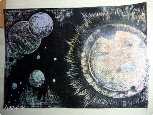 Сделали со средней дочкой Лерой(12 лет) вчера граттаж на тему космос...размер 30 на 40 см
