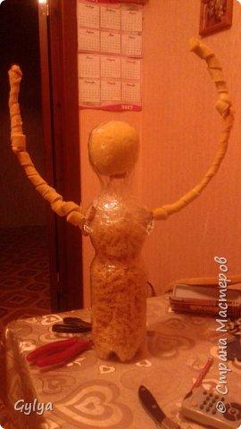 """Моя первая кукла и мой первый МК. Делала для конкурса """"Масленица"""" в детский сад. Кукла высотой 46 см, вместе с блином-солнышком высота составляет 60 см. фото 4"""