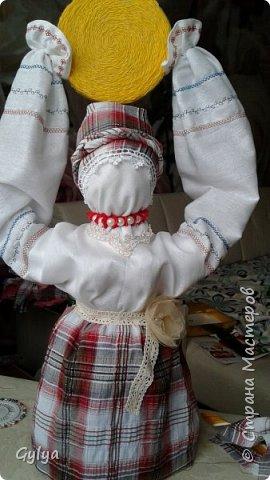 """Моя первая кукла и мой первый МК. Делала для конкурса """"Масленица"""" в детский сад. Кукла высотой 46 см, вместе с блином-солнышком высота составляет 60 см. фото 1"""