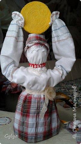 """Моя первая кукла и мой первый МК. Делала для конкурса """"Масленица"""" в детский сад. Кукла высотой 46 см, вместе с блином-солнышком высота составляет 60 см. фото 39"""