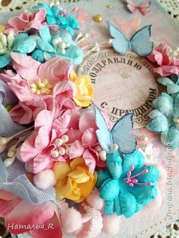 """Добрый день! Новая весенняя открытка. Здесь фон сделан с нуля. Бумага для пастели, маска """"бабочки"""", текстурная паста, спреи и акриловая краска.  фото 2"""