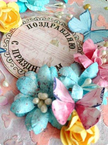 """Добрый день! Новая весенняя открытка. Здесь фон сделан с нуля. Бумага для пастели, маска """"бабочки"""", текстурная паста, спреи и акриловая краска.  фото 3"""