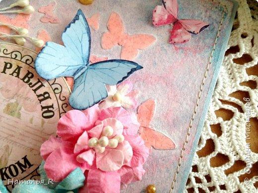 """Добрый день! Новая весенняя открытка. Здесь фон сделан с нуля. Бумага для пастели, маска """"бабочки"""", текстурная паста, спреи и акриловая краска.  фото 4"""