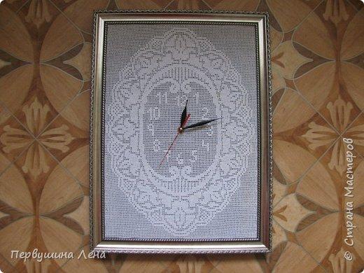 Первые часы получились неожиданно большими: 60*90 см Узлов увы много, нитки старые. Стрелки такие маленькие, потому что часовщик сказал, что часовой механизм не выдерживает большие, ломается. фото 20