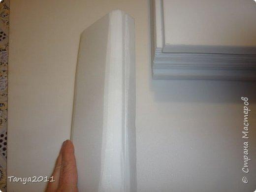 Добрый день, мастерицы! Я сегодня спешила сделать МК шкатулки-книги. Итак, нам необходимо: пеноплекс толщиной 2 см - 2/3 листа, нож канцелярский , наждачка, клеевой пистолет, краска гуашь, акриловый лак, распечатка, контур по керамике белый. фото 15