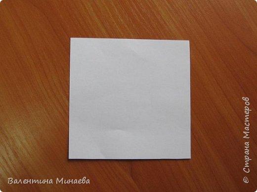 На авторство особо не претендую, возможно такие цветочки уже где-нибудь появлялись, не могу утверждать. Соединительные модули по сборке очень похожи на модуль кусудамы Каркасс Екатерины Лукашевой, только крепление осуществляется по-другому. Короче, такой вот гибрид из двух разных модулей.    Name: Blooming icosahedron - I  Designer: Valentina Minayeva Parts: 12 (pentagons) Paper: 6,4 x 6,4 х 6,4 х 6,4 х 6,4 Parts: 30 (squares) Paper: 6,4 х 6,4 Final height: ~ 10,0 cm without glue фото 33