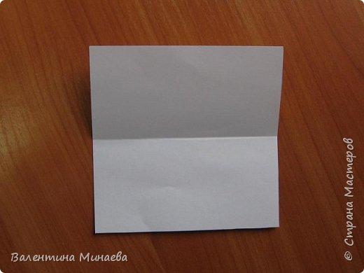 На авторство особо не претендую, возможно такие цветочки уже где-нибудь появлялись, не могу утверждать. Соединительные модули по сборке очень похожи на модуль кусудамы Каркасс Екатерины Лукашевой, только крепление осуществляется по-другому. Короче, такой вот гибрид из двух разных модулей.    Name: Blooming icosahedron - I  Designer: Valentina Minayeva Parts: 12 (pentagons) Paper: 6,4 x 6,4 х 6,4 х 6,4 х 6,4 Parts: 30 (squares) Paper: 6,4 х 6,4 Final height: ~ 10,0 cm without glue фото 35
