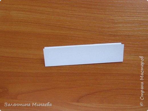 На авторство особо не претендую, возможно такие цветочки уже где-нибудь появлялись, не могу утверждать. Соединительные модули по сборке очень похожи на модуль кусудамы Каркасс Екатерины Лукашевой, только крепление осуществляется по-другому. Короче, такой вот гибрид из двух разных модулей.    Name: Blooming icosahedron - I  Designer: Valentina Minayeva Parts: 12 (pentagons) Paper: 6,4 x 6,4 х 6,4 х 6,4 х 6,4 Parts: 30 (squares) Paper: 6,4 х 6,4 Final height: ~ 10,0 cm without glue фото 66