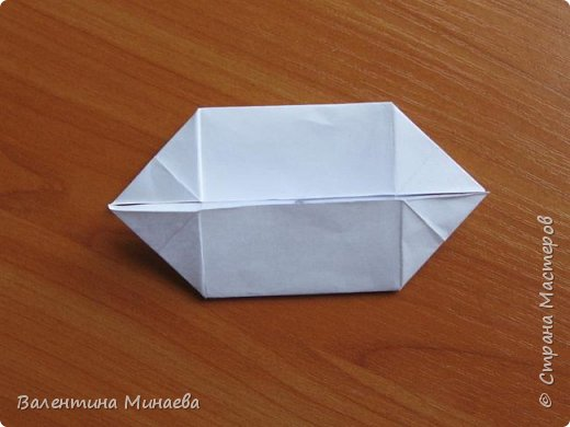 На авторство особо не претендую, возможно такие цветочки уже где-нибудь появлялись, не могу утверждать. Соединительные модули по сборке очень похожи на модуль кусудамы Каркасс Екатерины Лукашевой, только крепление осуществляется по-другому. Короче, такой вот гибрид из двух разных модулей.    Name: Blooming icosahedron - I  Designer: Valentina Minayeva Parts: 12 (pentagons) Paper: 6,4 x 6,4 х 6,4 х 6,4 х 6,4 Parts: 30 (squares) Paper: 6,4 х 6,4 Final height: ~ 10,0 cm without glue фото 80