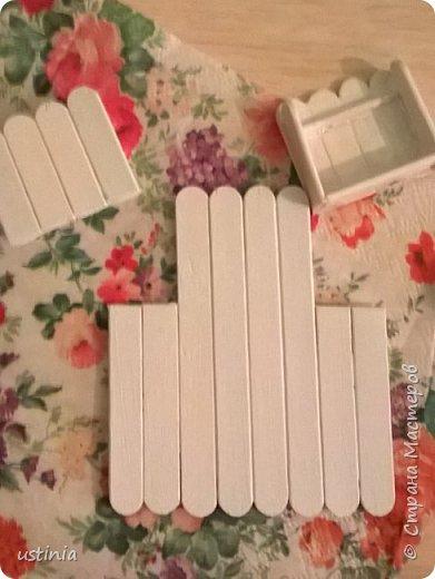 Опять мои любимые палочки мне в помощь!!!)) в прошлом году делала вот такие домик  http://stranamasterov.ru/node/1000482 А в этом захотелось сделать  какие-нибудь необычные магнитики к 8марта...а что на кухне важно!!для хорошей хозяйки!)))  Конечно фартучек!!))) И полотенце и прихваточка,,,а ещё и скалка!!))) фото 10