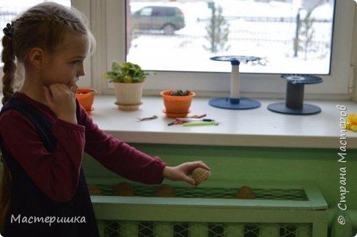 Приглашаем вас вместе с нами сделать подарочную бонбоньерку. Такие сладкие шкатулки мы приготовили с мальчиками 2 класса для девочек и учителей. фото 25