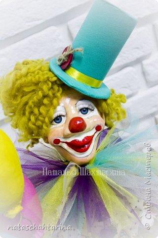 Знакомьтесь клоун Весеня с чемоданчиком бабочек)))) выполнен в технике папье-маше фото 3