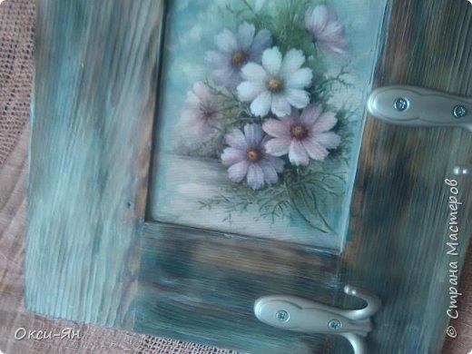 Сегодня  решила показать Вам вешалку,сделанную из дверцы  от шкафа. фото 4