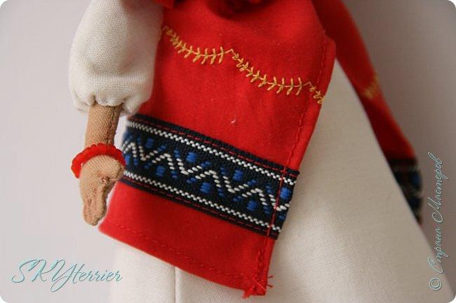Всем здравствуйте! Выставляю на ваш суд новую куколку! :) Делала ее в подарок маме на 8 марта.  фото 4