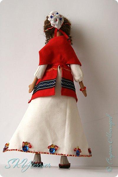 Всем здравствуйте! Выставляю на ваш суд новую куколку! :) Делала ее в подарок маме на 8 марта.  фото 6
