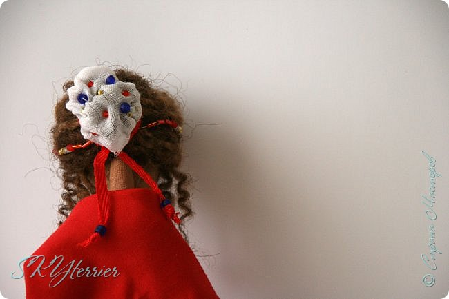 Всем здравствуйте! Выставляю на ваш суд новую куколку! :) Делала ее в подарок маме на 8 марта.  фото 7