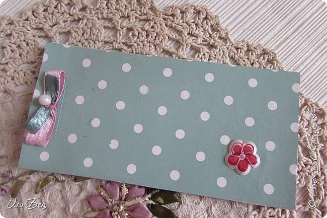 Здравствуйте! Всех с наступающим праздником, женским днём 8 Марта! Вот такие подарочки можно приготовить для девочек в классе:))) Плетёную корзиночку ( она получается сразу двусторонняя) и блокнотик:))) фото 21