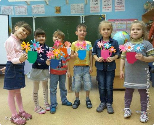 С дошколятами делали подарки для любимых мам)  фото 4