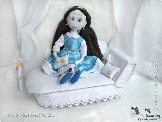 Мне очень нравится процесс создания текстильной куклы.  Вот решила поделиться своими первыми куколками. Это здорово - создавать такие вещи, отношусь к ним бережно и долго радуюсь результатом. фото 6