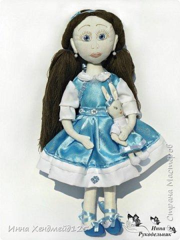 Мне очень нравится процесс создания текстильной куклы.  Вот решила поделиться своими первыми куколками. Это здорово - создавать такие вещи, отношусь к ним бережно и долго радуюсь результатом. фото 5