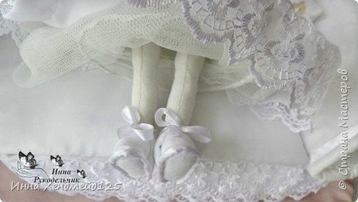 Мне очень нравится процесс создания текстильной куклы.  Вот решила поделиться своими первыми куколками. Это здорово - создавать такие вещи, отношусь к ним бережно и долго радуюсь результатом. фото 12