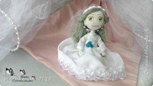Мне очень нравится процесс создания текстильной куклы.  Вот решила поделиться своими первыми куколками. Это здорово - создавать такие вещи, отношусь к ним бережно и долго радуюсь результатом. фото 9