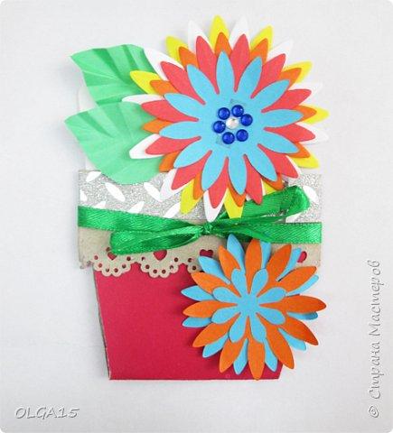 Здравствуйте, жители Страны Мастеров! Готовимся с детьми к празднику 8 марта. Сделали открытки в форме цветочного горшка. фото 7