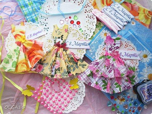 Здравствуйте, жители Страны Мастеров! Готовимся с детьми к празднику 8 марта. Сделали открытки в форме цветочного горшка. фото 9