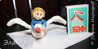 """Привет  Всем. Между созданием новой серии игрушек """"Дети в деревне"""" у меня  слепилась вот такая игрушка. Все  в детстве смотрели мультик и читали Русскую народную сказку .  Как Гуси-Лебеди унесли к Бабе Яге в чащу Иванушку, а его сестричка Машенька пошла в лес  искать братца.... Я давно хотела такую игрушку, но толчек к ее лепке я получила благодаря коментариям HELENA24 к моей игрушке Мальчик кормит гусика (http://stranamasterov.ru/node/1083581) Спасибо тебе за присланную картинку она стала  последней каплей в моем порыве слепить такую игрушку.  И вот представаляю вам свою ватную историю фото 6"""
