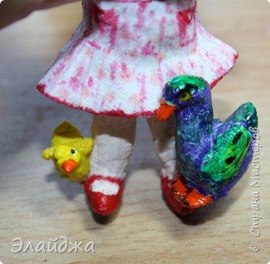 """Привет Всем! Эта вторая  игрушка моей новой серии """"Дети в деревне"""". Первая игрушка , для тех кому интересно тут (http://stranamasterov.ru/node/1083581) Для всех детей в деревне самое большое открытие и чудо - это рождение маленьких утят-цыплят! Ну не чудо поймать такого маленького пушистика  и разглядывать как у него ручки- ножки работают! Почему мама  не желтая ,а  утятки все желтенькие? А плавать они умеют?..Ой сколько вопросов...    фото 6"""