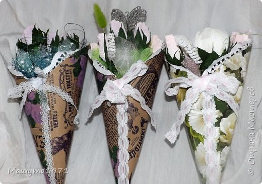 Здравствуй страна ! Вот такие кулёчки с цветочками на подарки к 8 марта. фото 2