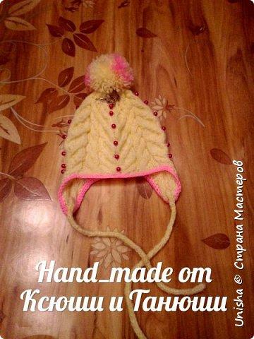 Вязаная шапочка для маленькой модницы