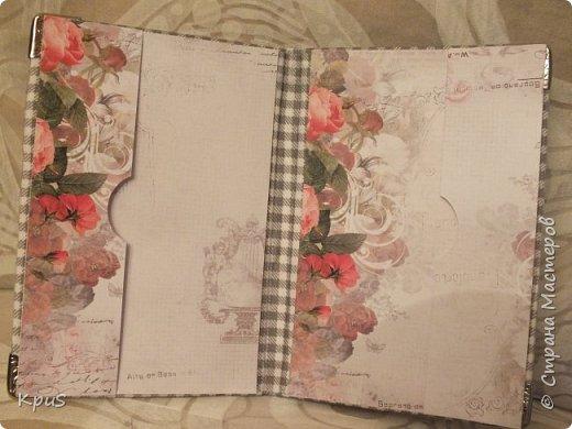 И снова здравствуйте! В подарок родственникам мужа сделала тканевые обложки для паспорта. Надеюсь, они останутся довольны, поскольку делала с любовью и усердием. фото 6