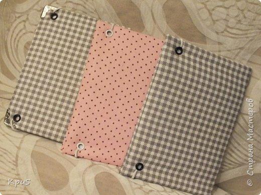 И снова здравствуйте! В подарок родственникам мужа сделала тканевые обложки для паспорта. Надеюсь, они останутся довольны, поскольку делала с любовью и усердием. фото 7