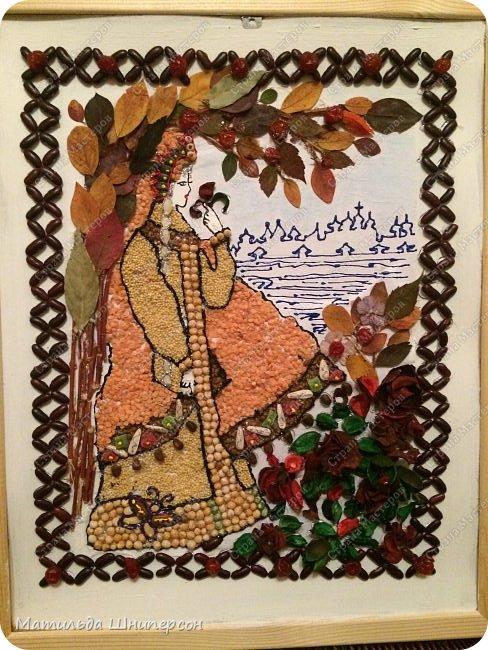 """Доброго времени суток! C 8 марта : ))) Основной процесс показан на видео:) Для реализации нашей идеи нам потребовалось:  - хорошее настроение и желание творить : ) - листья, сухоцветы - фасоль, горох, семечки подсолн.(белые и черные) - сушеные ягоды вишни, плоды физалиса - миндаль, пшено, чечевица, гречка - тыквенные семечки (коса) - кедровые орешки, цукаты  - веточки вербы - краска-контур """"dekola"""", горячий клей-пистолет - карандаш, белая гуашь, пва-клей, кисть, рама 40х50см фото 1"""