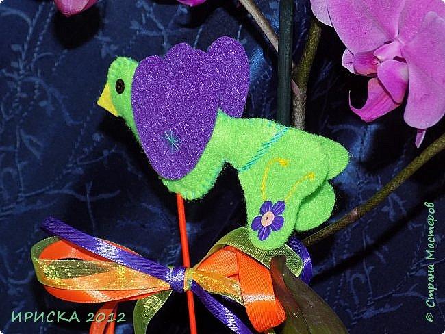 Девочек, девушек, мам и бабушек с весенним 8 марта поздравляю!!! Посмотрите за окошко, стало там теплей немножко. Главный праздник наступает, солнышко его встречает!!! Счастья, здоровья, любви, вдохновения и массы времени на творчество!!! И пусть Ваше творчество приносит удовольствие и благополучие!!! фото 10